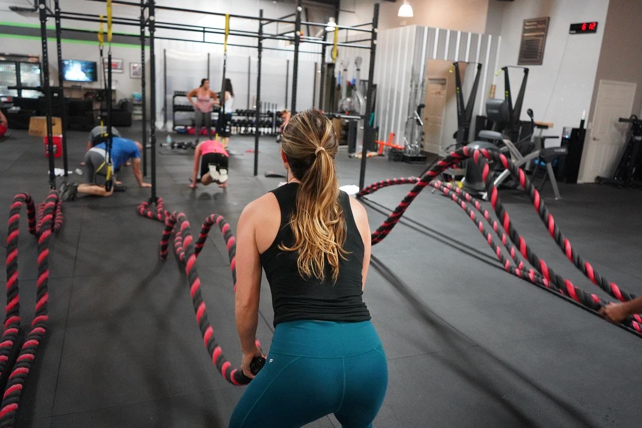 Auch viele Fitnessstudio haben Battle Ropes im Angebot.