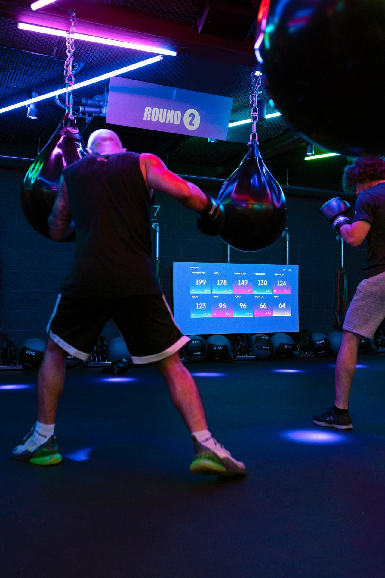 Mit einem Reflexball verbesserst Du nicht wie beim herkömmlichen Boxtraining deine Kraft und Konditionen, sondern wie der Name schon sagt, deine Reflexe.
