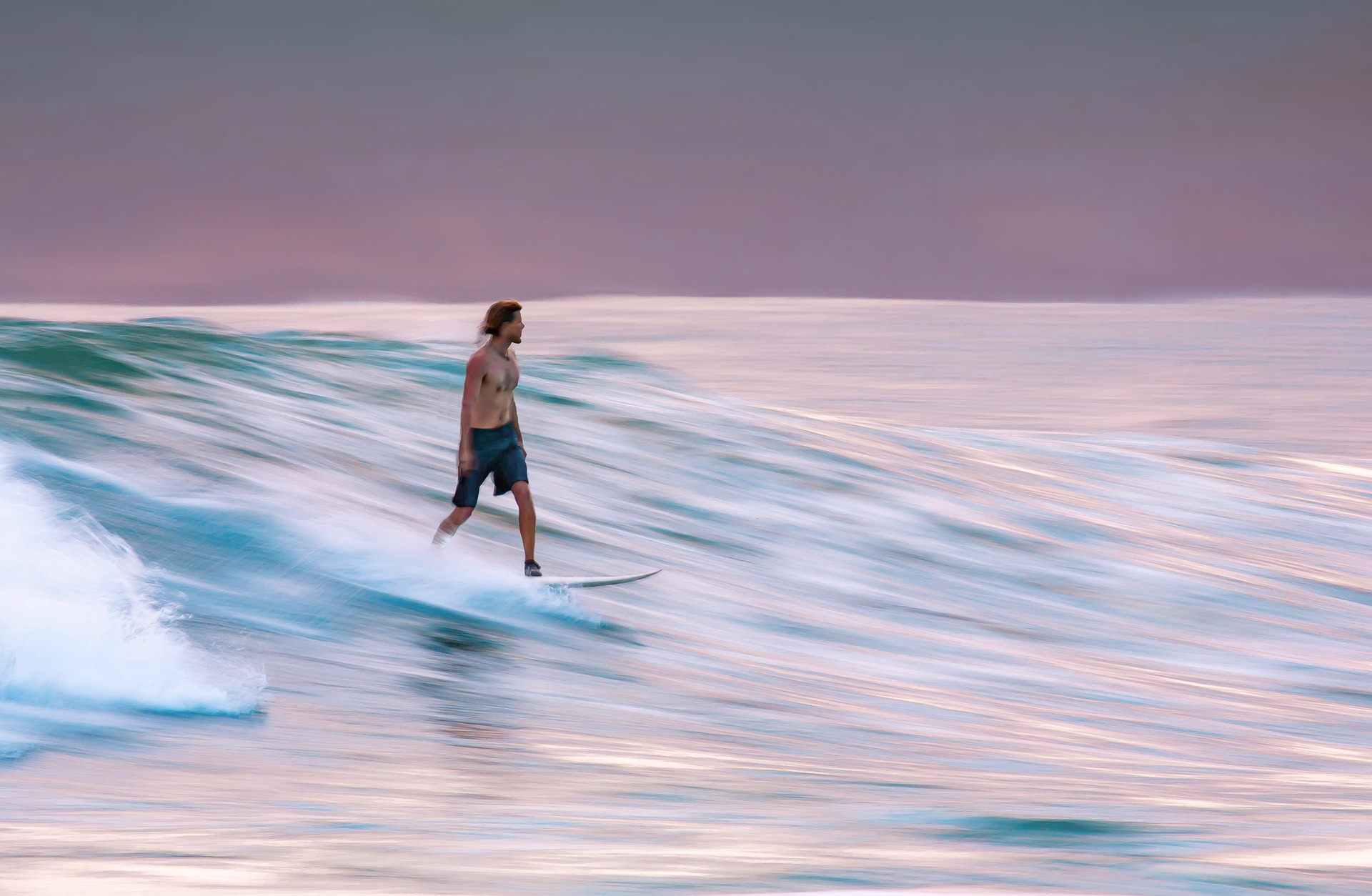 Neoprenschuhe beim Surfen nutzen