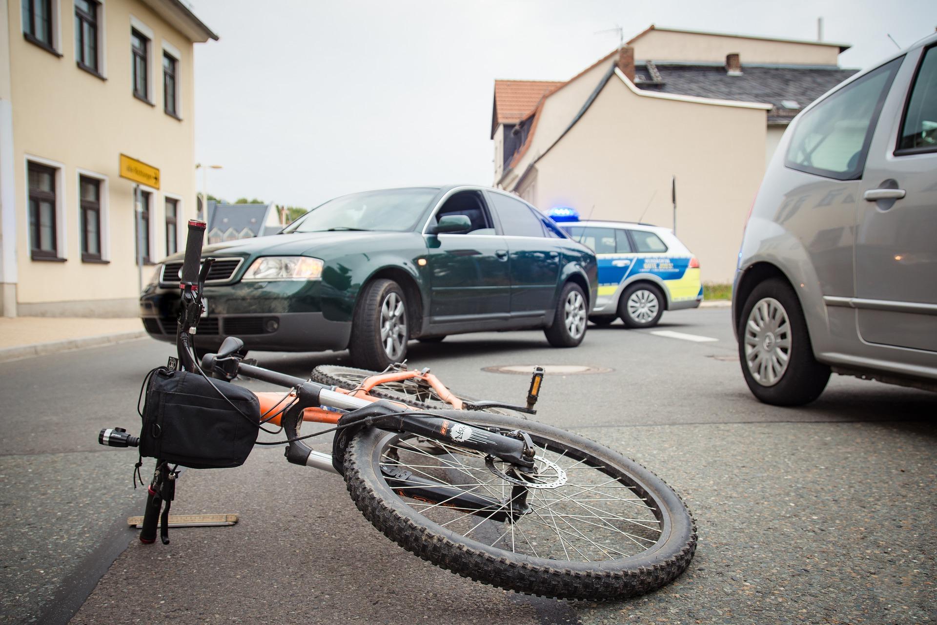 Skaterhelm Fahrradhelm Unfall Leben retten