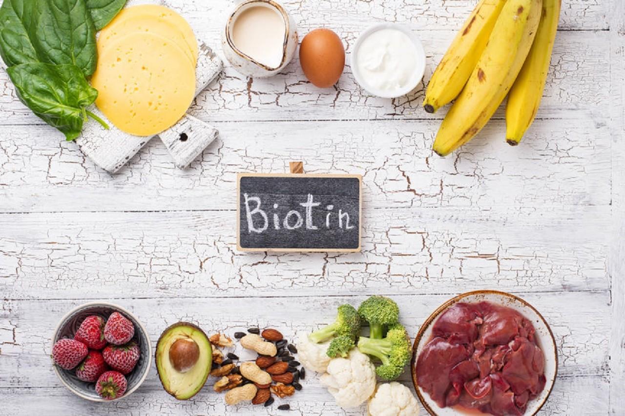 Biotin ist auch in zahlreichen Lebensmitteln enthalten.