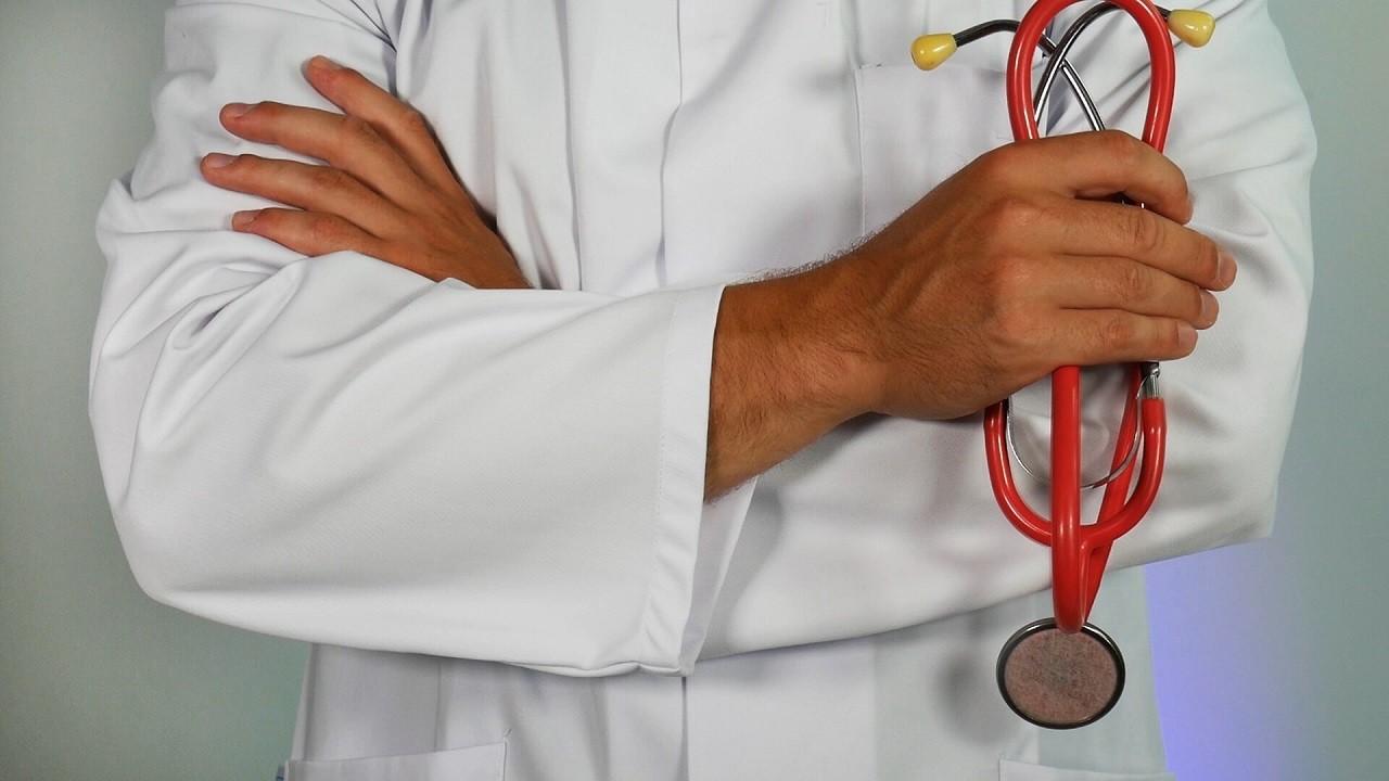 Die Glucosamin-Präparate reduzieren unter anderem Entzündungen in den Gelenken, lindern Gelenkschmerzen und unterstützen den Körper bei der Reproduktion von Gelenkknorpel.