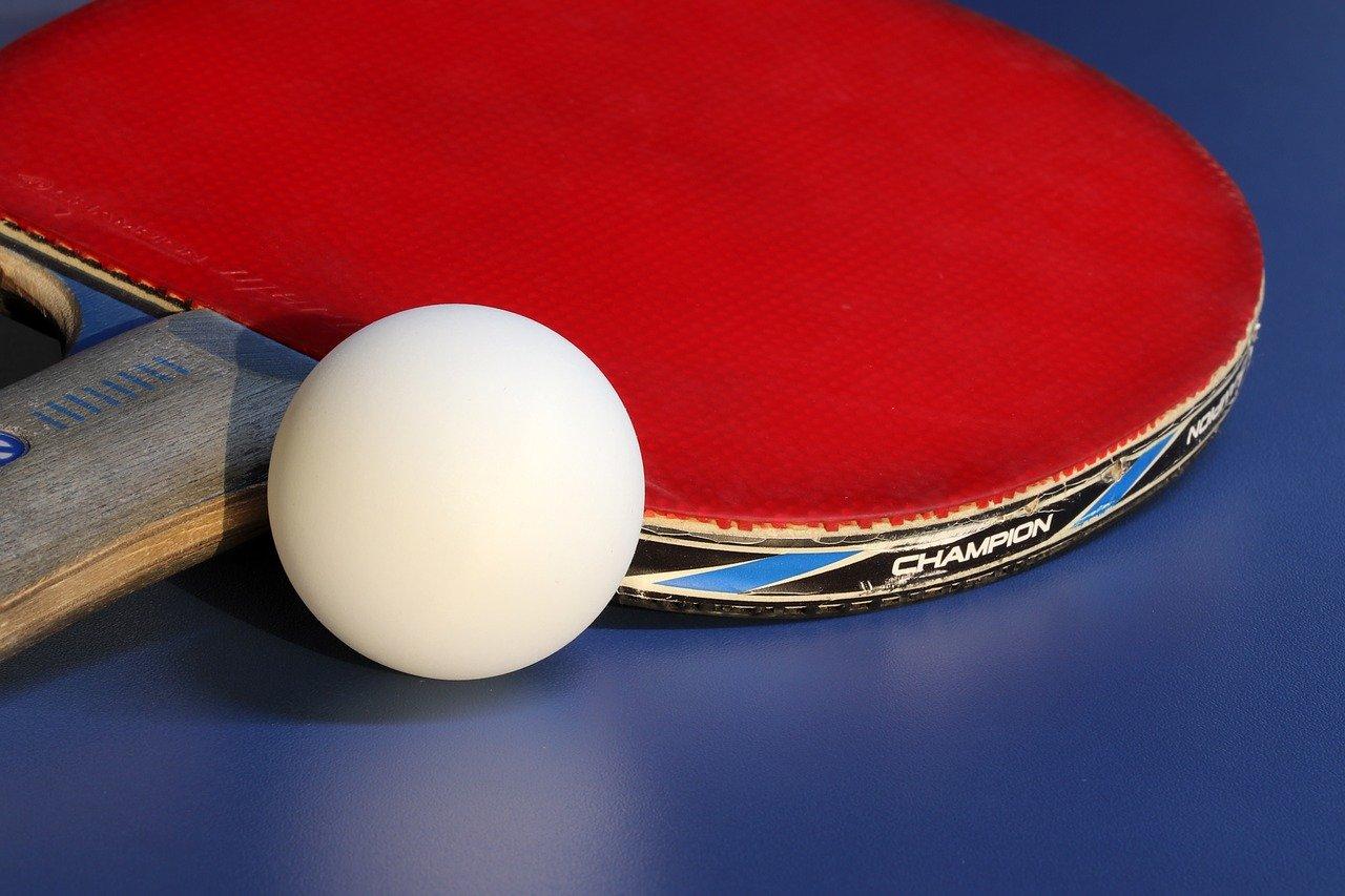 Hochwertige Tischtennisschläger legst Du nicht einfach in Deine Sporttasche, da sie einer der wichtigsten Dinge sind, die Du dafür brauchst, um Deinen Gegner zu besiegen.