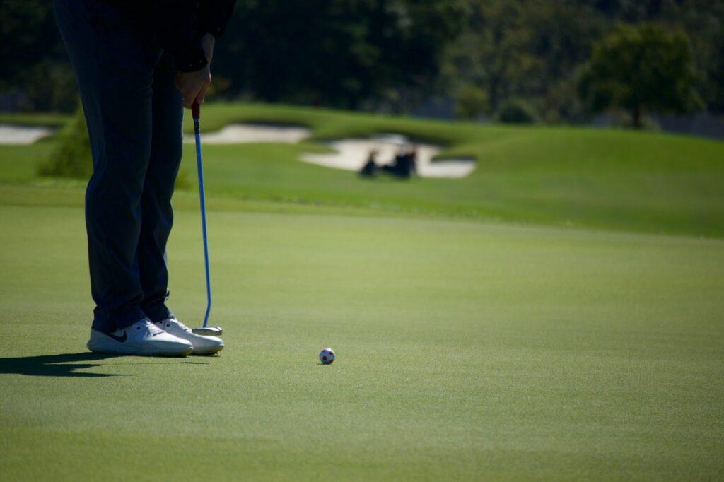 Golfschuhe aus Leder verfügen meist über eine besonders hohe Verarbeitungsqualität.