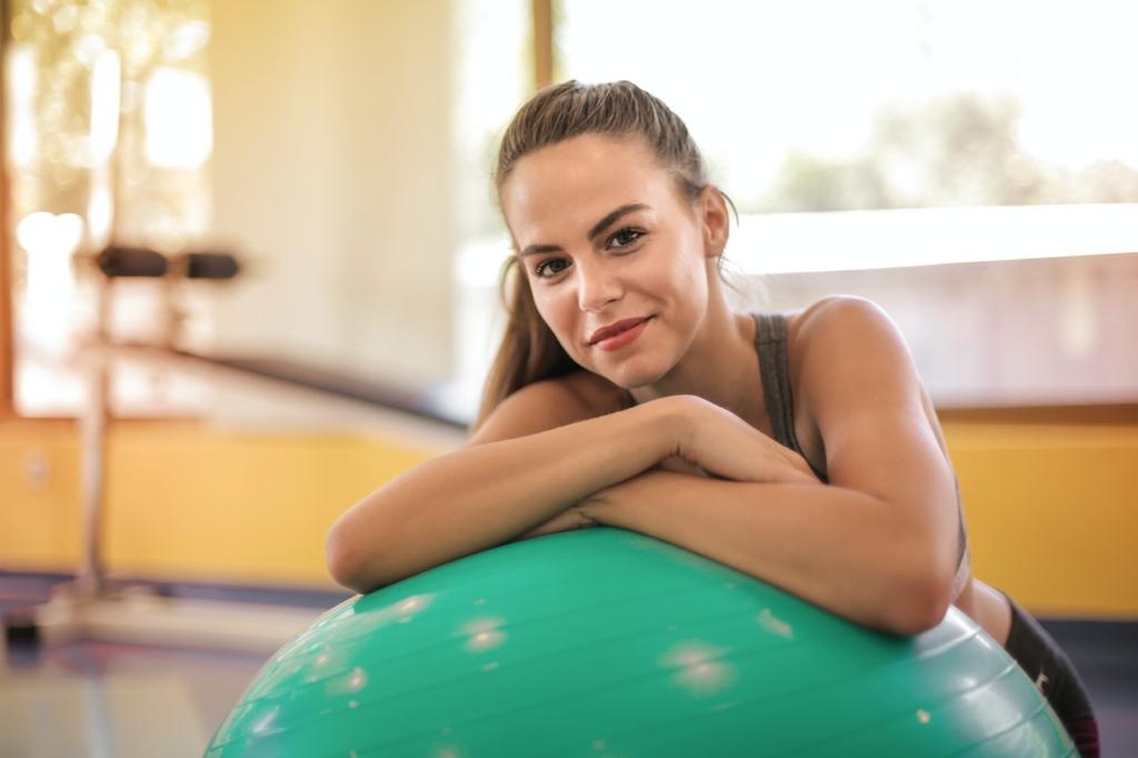 Das Anti-Burst-Material, aus dem der Gymnastikball gefertigt ist, verhindert ein unerwartetes Platzen.